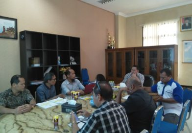REKTOR UNIVERSITAS KHAIRUN MENERIMA LAPORAN TENTANG INFORMASI IAPS 4.0 DARI TIM LP3M